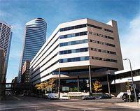 Monstrosity that replaced Metropolitan Building
